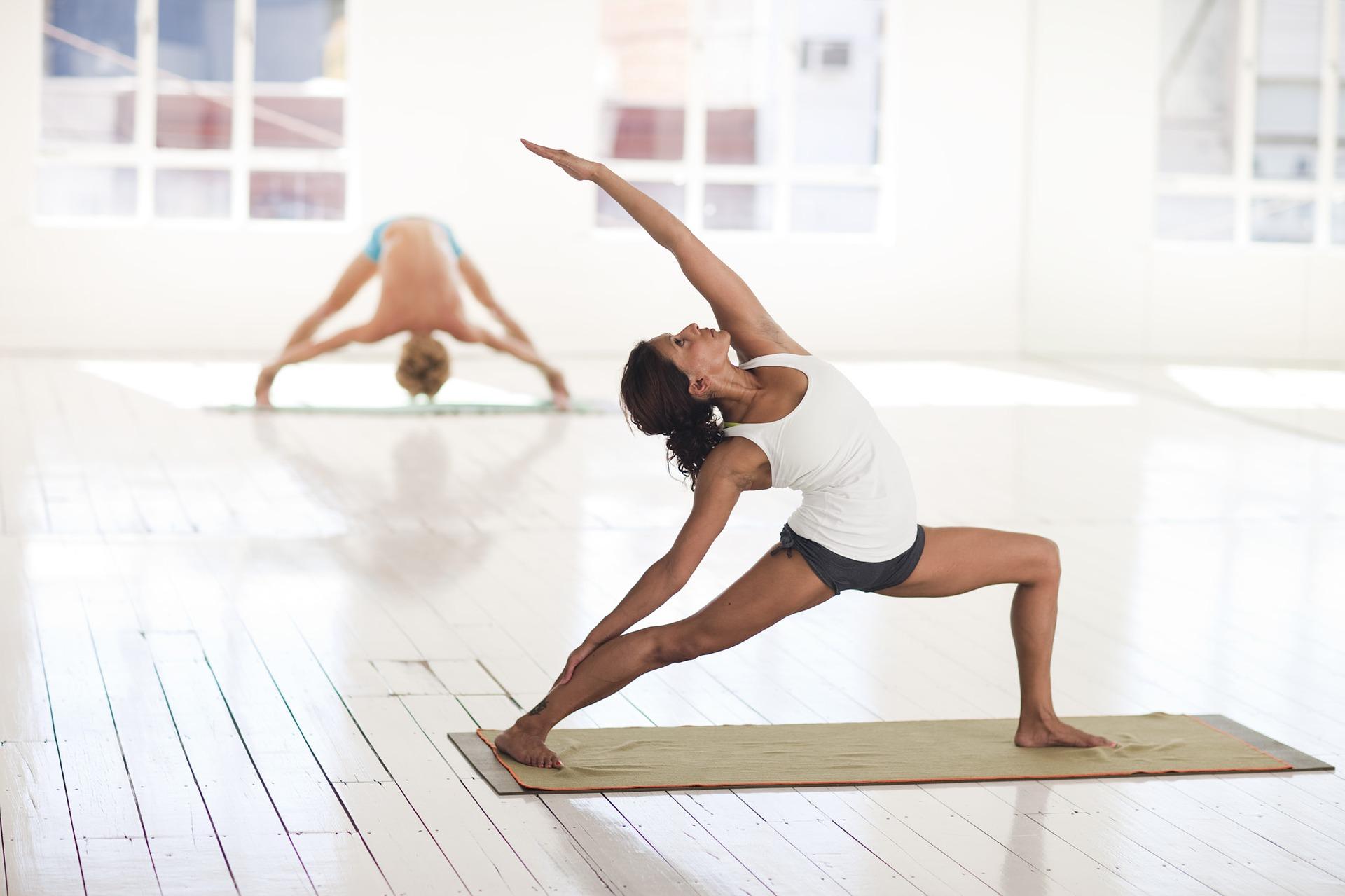 come fare yoga caratteristiche da considerare